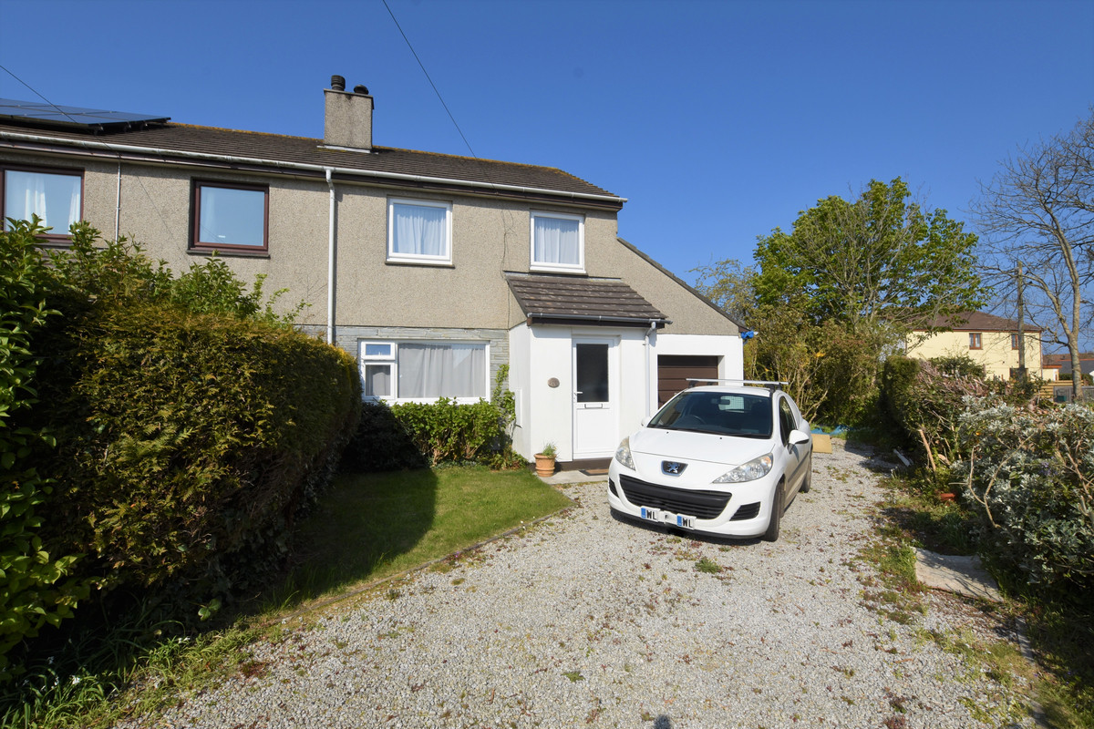 Three Bedroom Semi-detached House with Corner Plot